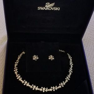 Swarovski Merry Necklace and Earring Set